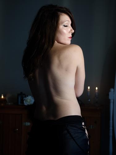 miss-k-dark-boudoir-photo-session 5